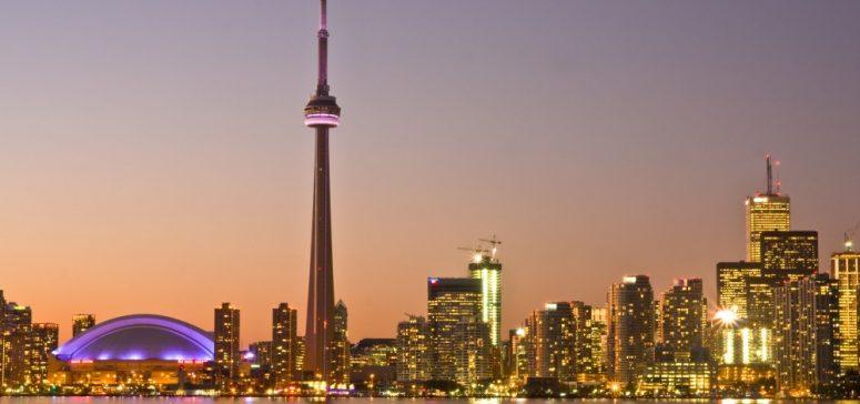 Toronto_at_Dusk_-a-e1450958712902